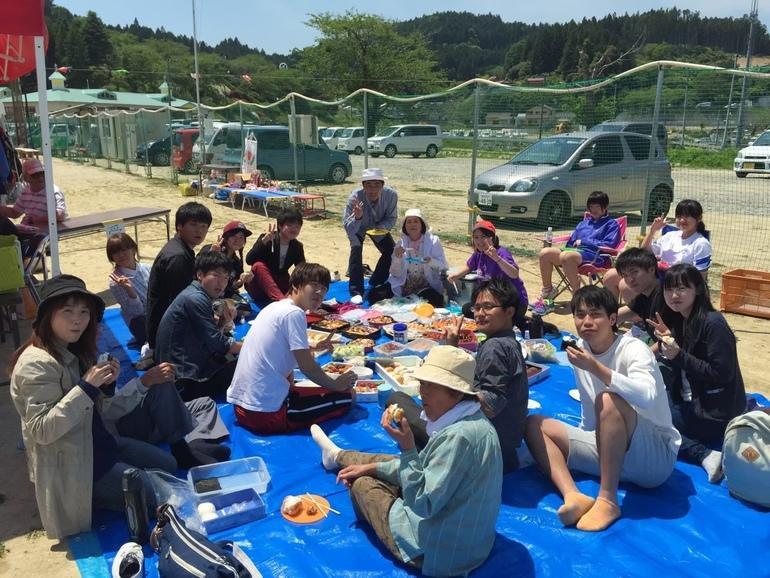 2015年5月・初めての陸前高田。小学校の運動会のときに、のぶこばあちゃんと出会っていた。
