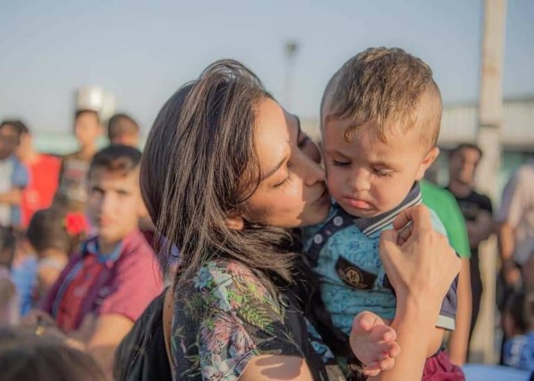 私、サヘル・ローズが旅で出会った貧困や紛争に苦しむ人々へ、みんなの想いを繋げます
