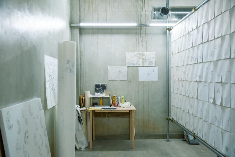 地下制作スタジオ(photo by Hanako Kimura)