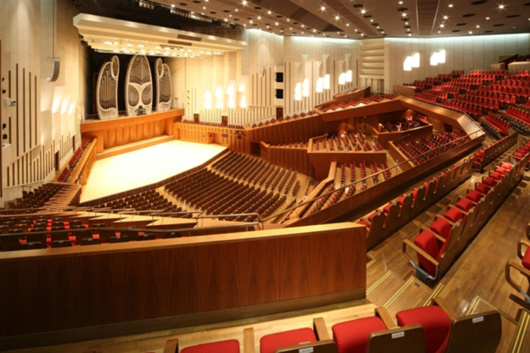日本屈指のコンサートホール「東京芸術劇場 コンサートホール」